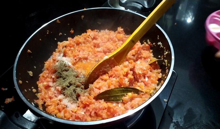 Ratlami Sev Sabji | How To Make Ratlami Sev Sabji At Home?