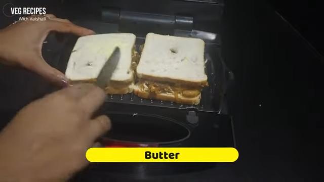 Grilled Cheese Chinese Pasta Sandwich | Pasta Sandwich Recipe