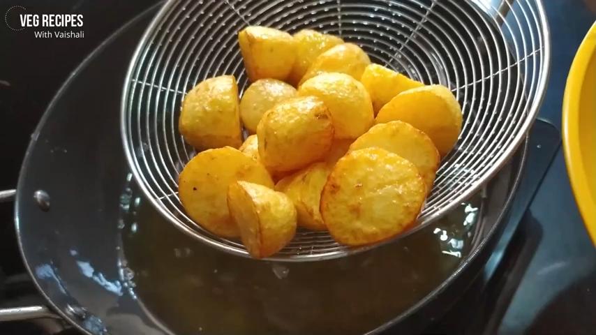 Stuffed Potato Brinjal | Bharwan Aloo Baingan Sabji